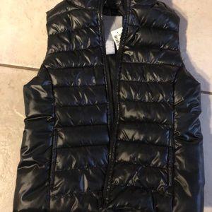 AéRopostale girls black puffer vest
